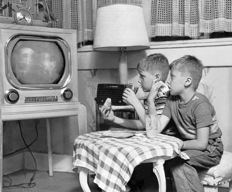 TV DINNERS IN THE 1950'S
